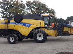 Moissonneuse-batteuse New Holland CX8070 100,00 €