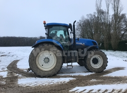 Tracteur agricole New Holland T250 32,00 €