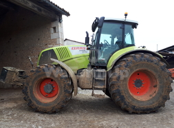 Tracteur agricole class axion 840 20,00€