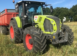 Tracteur agricole CLAAS ARION 660 30,00 €