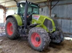 Tracteur agricole CLAAS 810 AXION 0