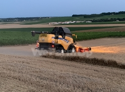 Moissonneuse-batteuse New Holland CX 8080 0