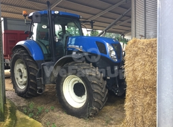 Tracteur agricole New Holland 27,50 €