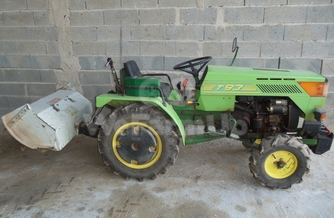 Location  Tracteur maraicher ferrari t92 220 €