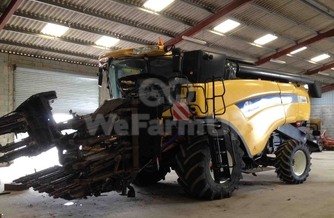 Moissonneuse-batteuse New Holland CX 840 0