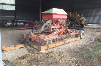 Location Herse rotative KUHN HR4002D 209 €