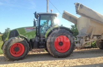 Location  Tracteur agricole class axion 840 250€