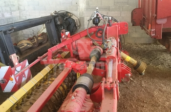 Location Herse rotative POTTINGER LION 6000 310 €
