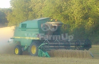 Moissonneuse-batteuse John Deere 22-56 0