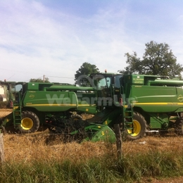 Moissonneuse-batteuse john deere w550 0