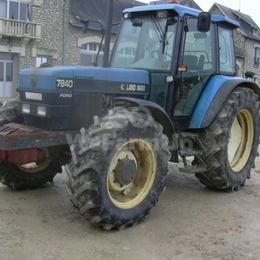 Tracteur agricole New Holland 7840 SLE 90€