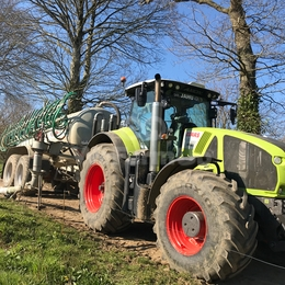 Tracteur agricole CLAAS Axion 920 280 €