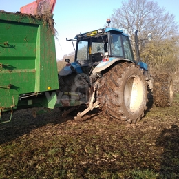 Tracteur agricole New Holland 8360 0
