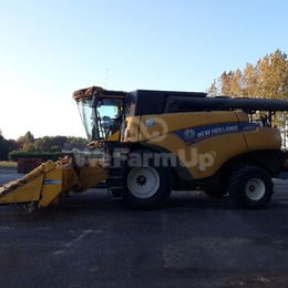 Moissonneuse-batteuse New Holland CR 880 536 €