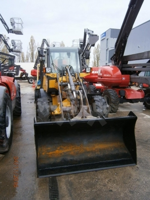 Chargeuse VOLVO L25B-P 90 €