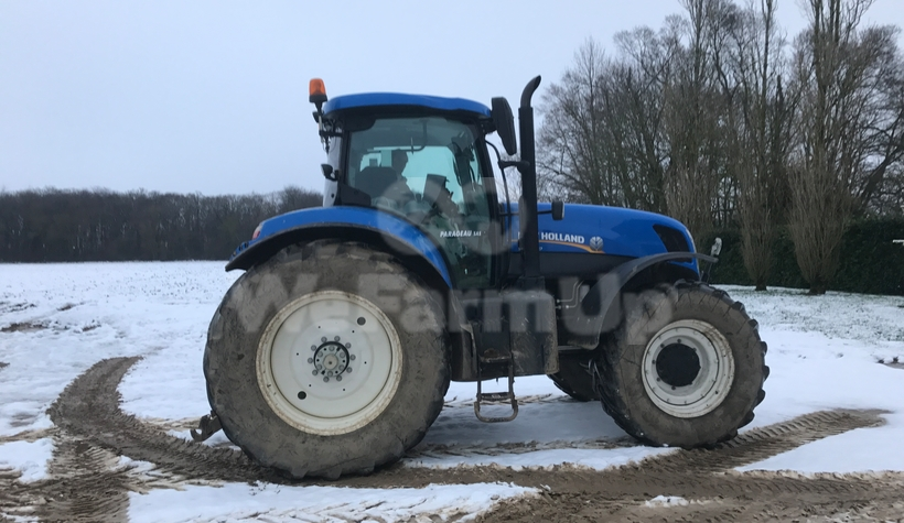 Tracteur agricole New Holland T250 256€