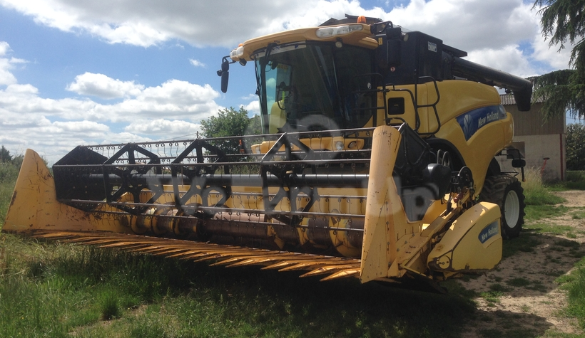 Moissonneuse-batteuse New holland Cr 9060 0