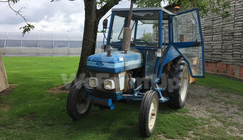 Tracteur agricole FORD 3910 60€