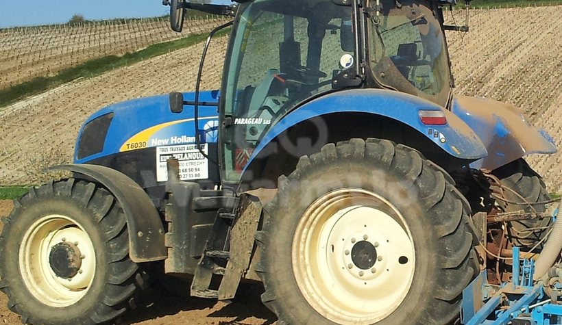 Tracteur agricole New Holland t 6030 130 €
